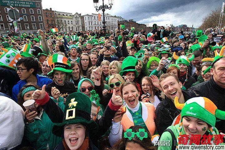 """爱尔兰的奇葩狂欢节 全国人民一起""""戴绿帽子"""""""
